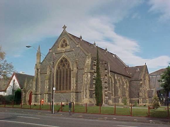 H00633 st giles church geelong church front view oct01