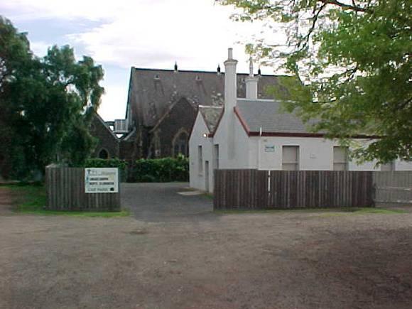 H00633 st giles church gheringhap street geelong rear of school oct01
