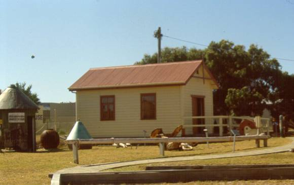 her2000 000160 fishermans shed exterior view sw april00