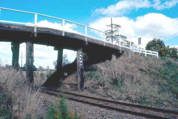 h02054 portland flat road bridge west ele south abutment 0903 mz