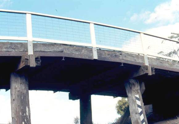 h02054 portland flat road bridge west ele centre span 0903 mz