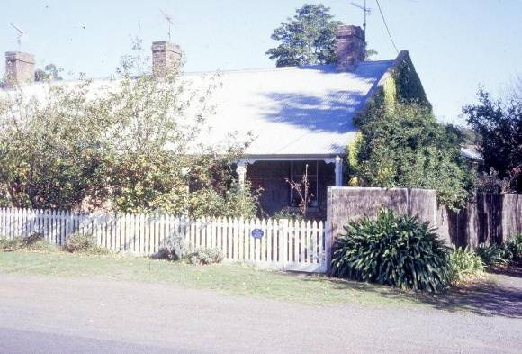 barwon paper mill complex lower paper mills road fyansford no 42 workers cottage front view she project 2003
