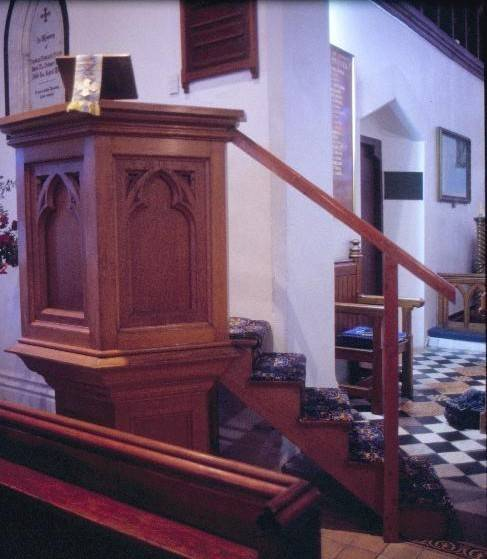 h01125 st george the martyr church and  hall hobson st queenscliffe pulpit she project 2003