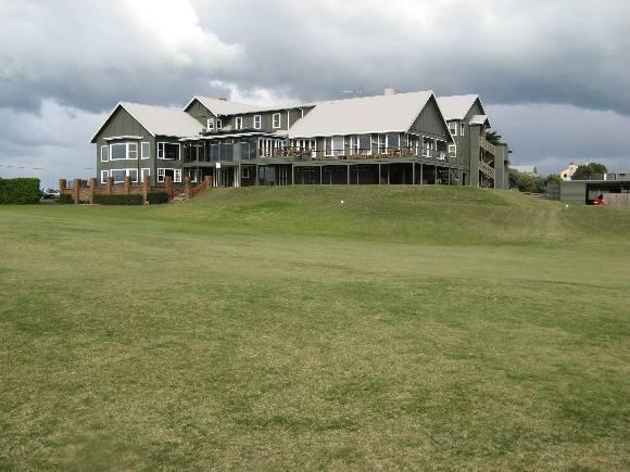Barwon_Heads_Golf_Club_June_2010 from rear (west).jpg