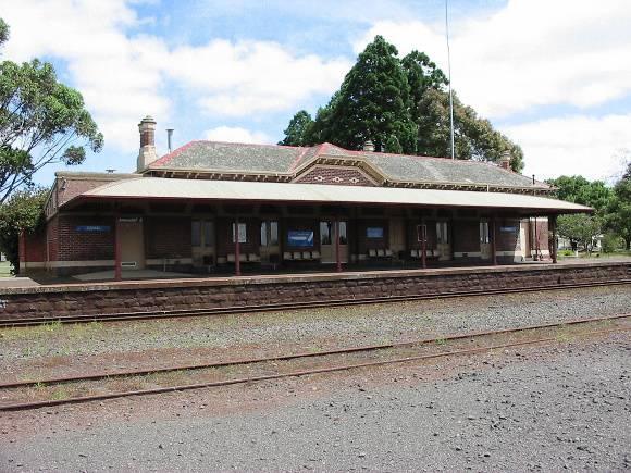 Terang RWS Station Building Platfrom February 2002