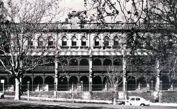 B1937 Tasma Terrace