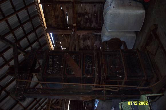 23434 Glendinning Homestead Balmoral woolpress 2137