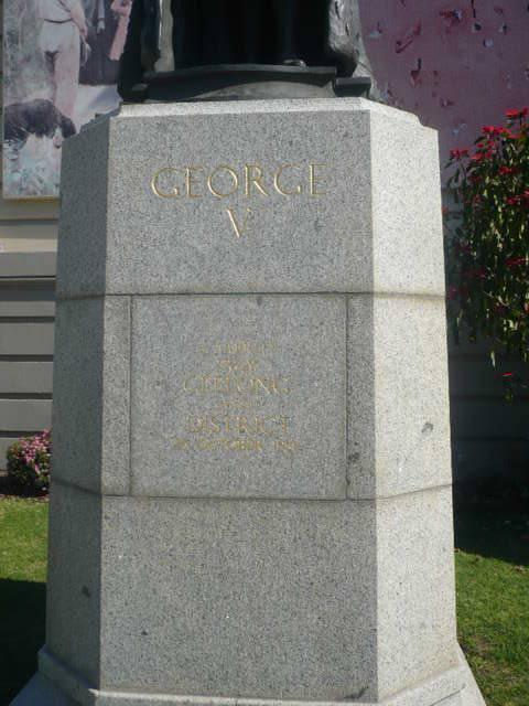 Johnstone Park   King George Statue   Base of Statue