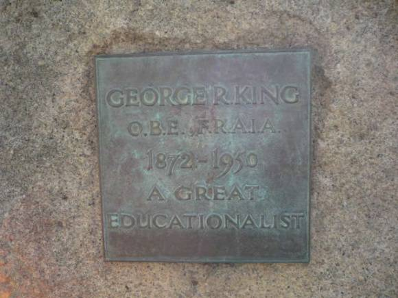 Johnstone Park   King George Memorial Statue   Plaque   2