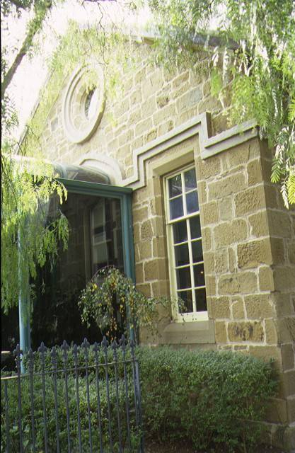 1 former gaelic church & schoolhouse geelong front entrance apr1997
