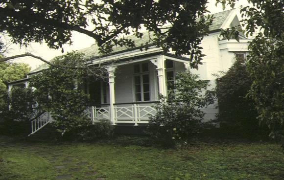 1 keyham pakington street newtown front view jul1995