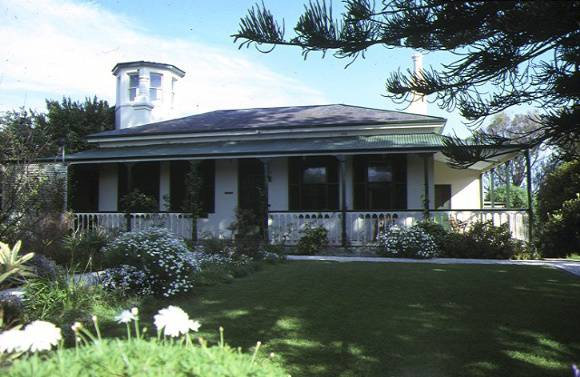 1 roseville cottage mercer street queenscliff front view