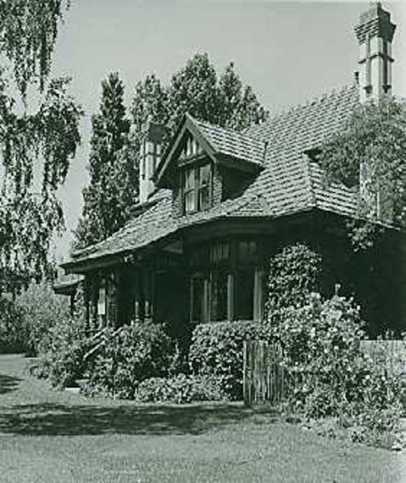 B6161 Norman House