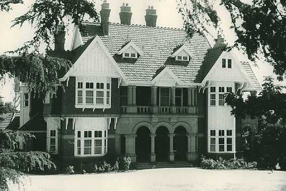 B1229 Former Dalwraith- now Campion College