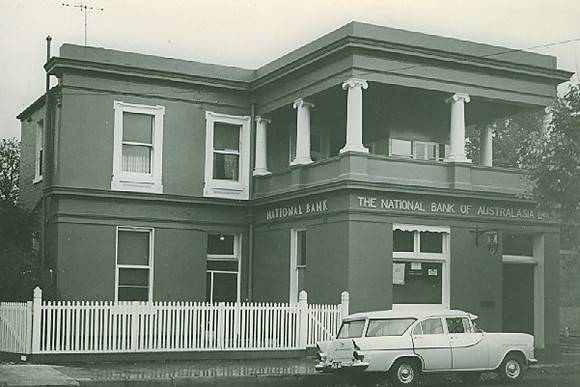 B2267 National Bank of Australasia 127 Main St Bacchus Marsh