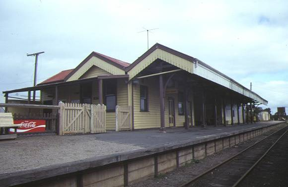 1 queenscliff railway station wharf street queenscliff front view aug1984