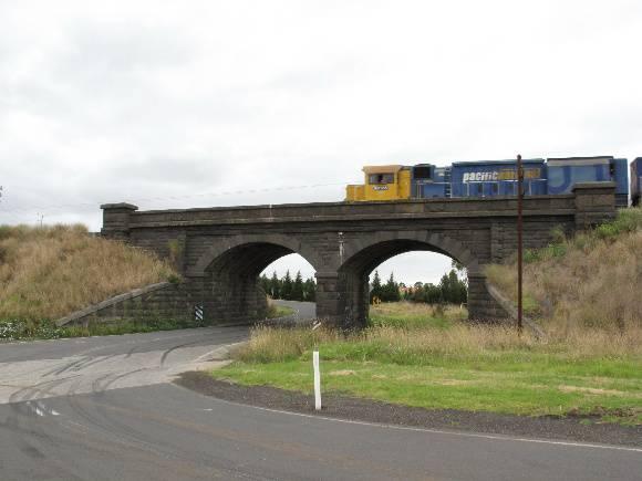 123526_Cowies Creek Rail Bridge No1_Geelong_HV_5 Feb 2010_004_resize.jpg