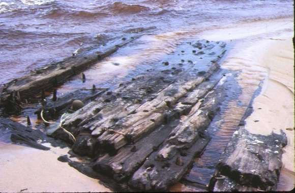 S45_Artisan_CapePatterson_HullWreckage_unknown